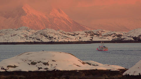 Fishing Ship at Sunset in Norwegian Fjord Filmmaterial