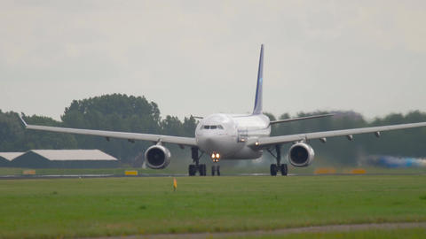 Air Transat accelerate and take-off Live Action