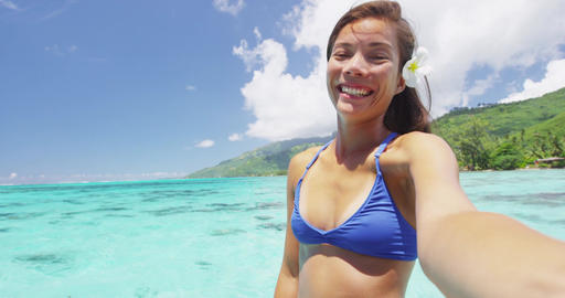 Selfie fun vacation woman smiling at camera on summer... Stock Video Footage