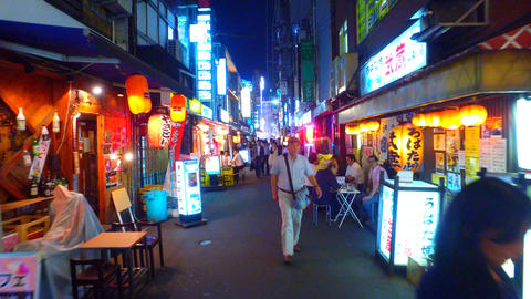 izakaya bar district in Shinbashi,Tokyo Japan ライブ動画