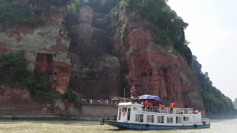 Boat And People Near The Leshan Giant Buddha In China Filmmaterial