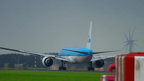 KLM Boeing 777 departure Live Action