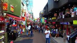 Takeshita Street in Harajuku Tokyo Japan ライブ動画