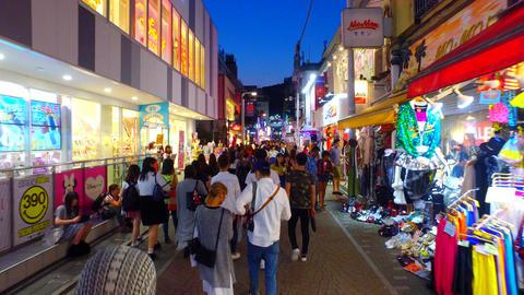 Tracking shot of Takeshita Street in Harajuku Tokyo Japan at dusk ライブ動画