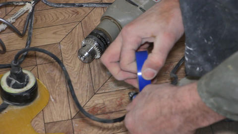 Repair the cord with electrical tape Footage
