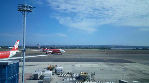 Bali Airport, Ngurah Rai Denpasar runway, Indonesia Live Action