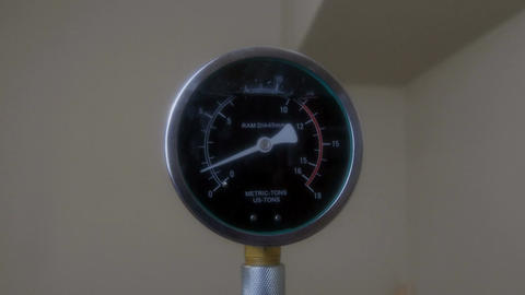 Load measurement counter Live Action