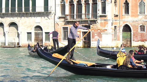 VENICE, ITALY - OCTOBER, 2017: Majestic grand canal in Venice, and water traffic Bild