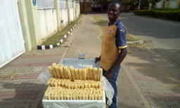 African People At Work: Man Sells Sugarcane To Make A Living Foto