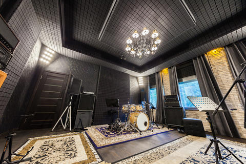 the interior of the professional recording studio with musical i フォト