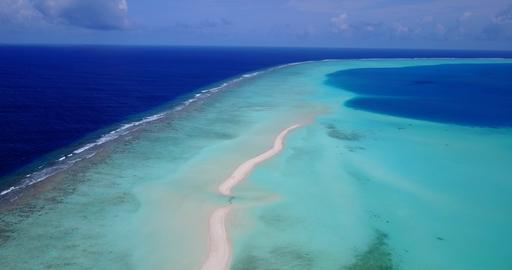v10605 maldives white sand beach tropical islands with drone aerial flying view Fotografía