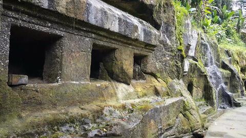 Small waterfall from historic relics at Gunung Kawi Temple, Bali Archivo