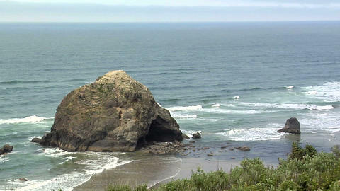 Pacific Ocean Coast in Oregon Live Action