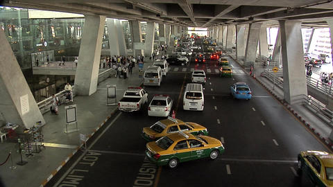 The Arrival Ramp of the New Suvarnabhumi International Airport Live Action