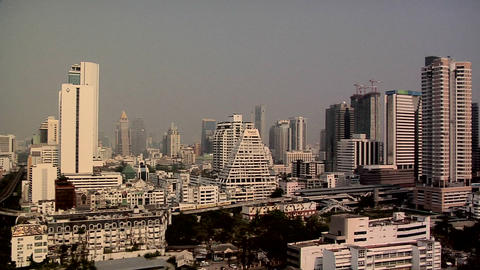 Elevated View of Sathon District late Afternoon, Bangkok ビデオ