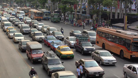 Afternoon Traffic on Ratchadamri Road, Bangkok Live Action