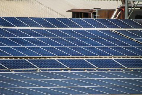 roof mounted solar panels Fotografía
