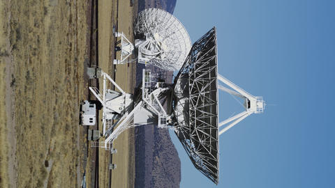 Radio Telescopes searching for Signals from Space ビデオ