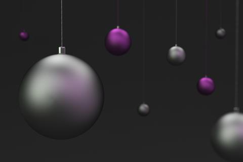 13053 Set of violet and silver christmas balls on black background Fotografía