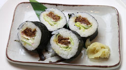 Roasted beef thick rolled sushi Footage