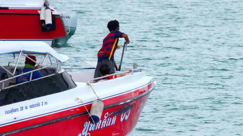 Speedboat departure from Rawai pier Live Action