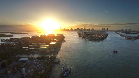 Miami Sunset From Over Fisher Island ビデオ