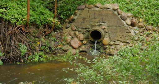 Build cement concrete pipe drainage canals drain the fluid flow Footage