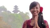 balinese girl saluting, uluwatu, bali Footage