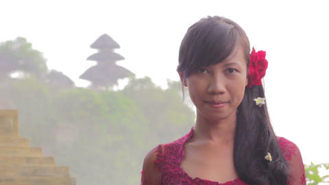 balinese girl saluting, uluwatu, bali Stock Video Footage