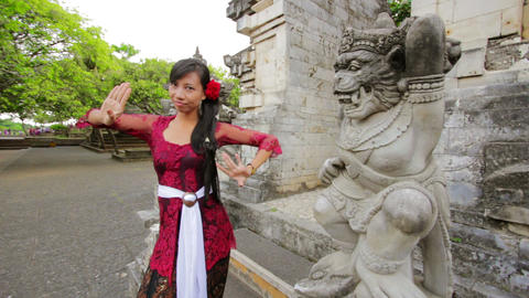 balinese girl dancing, uluwatu, bali Stock Video Footage