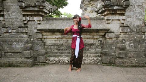 balinese girl dancing, uluwatu, bali Stock Video Footage