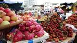 PHNOM PENH - JUNE 2012: local asian market general view Footage