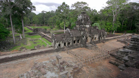 timelapse baphuon temple, angkor wat Stock Video Footage