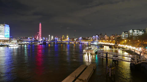 The River Thames London by night - time lapse Live Action