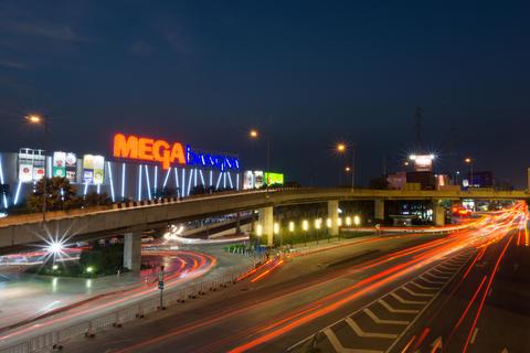 Mega Bangna is a large shopping mall in Bangkok フォト