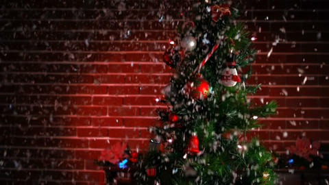 View of a decorated christmas tree Filmmaterial
