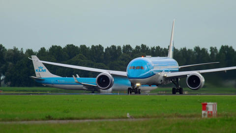 KLM Dreamliner accelerate and take-off Live Action