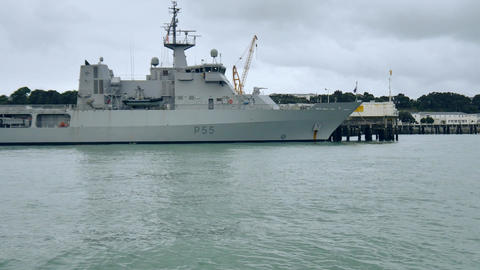 shot of new zealand navy warship Bild
