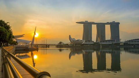 Marina Bay and Sands SkyPark at Dawn. Time Lapse 画像