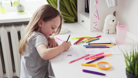 Cute little girl drawing Live Action
