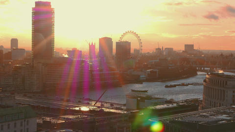 The London skyline in the backlight Live Action