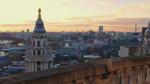 Over the rooftops of London - in the evening Live Action
