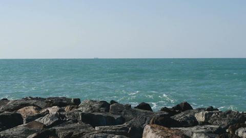 Crushing waves and horizon at Palm Atlantis Footage