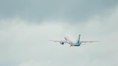 SilkAir Airbus A319 departure Footage