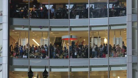 Crowd at windows Footage