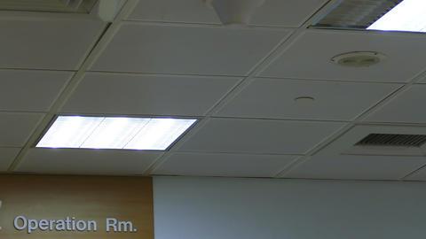 Operating room door 2- Live影片