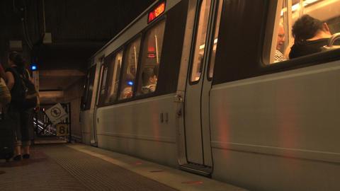 Dc metro train departing into tunnel ภาพวิดีโอ