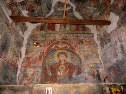 Unique medieval religious frescoes フォト
