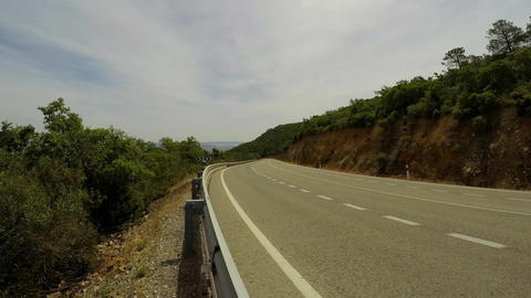 Narrow Motorway In The Mountains ビデオ