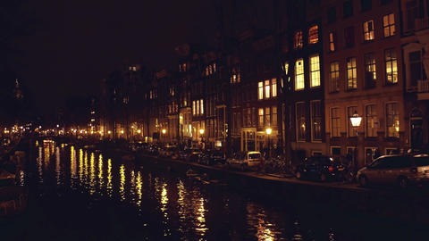 City canal at night. Amsterdam, Netherlands Filmmaterial